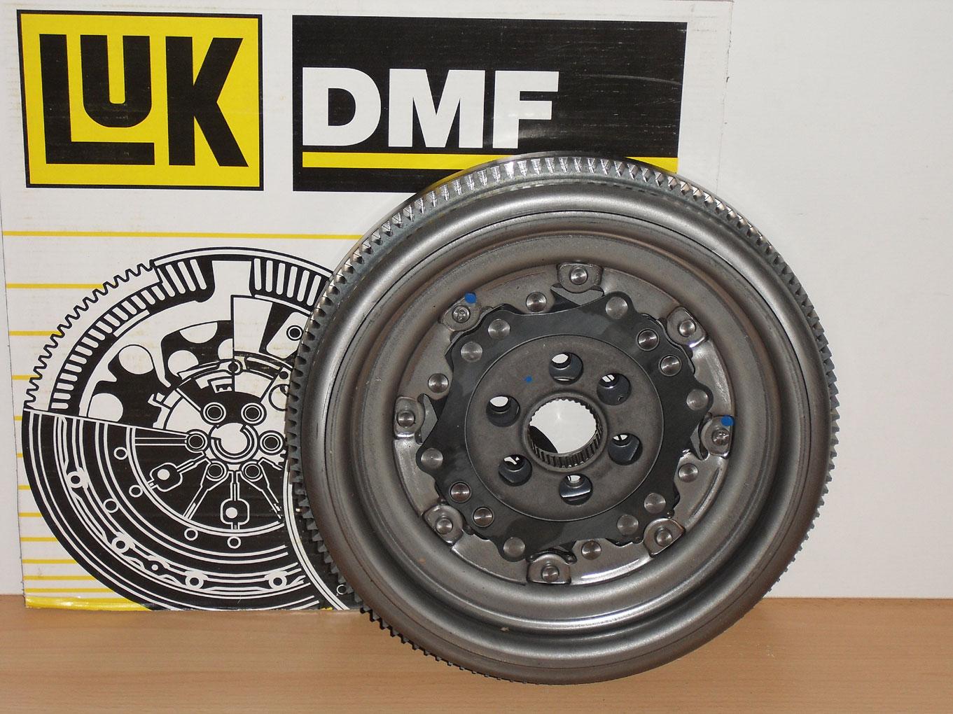 LuK 415 0678 10 ZMS Zweimassenschwungrad für FIAT